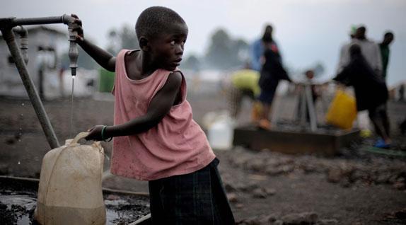 africa_poor_girl-apha-090602.jpg