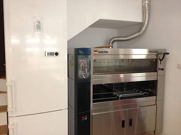 好美的冰箱、厲害的烤箱