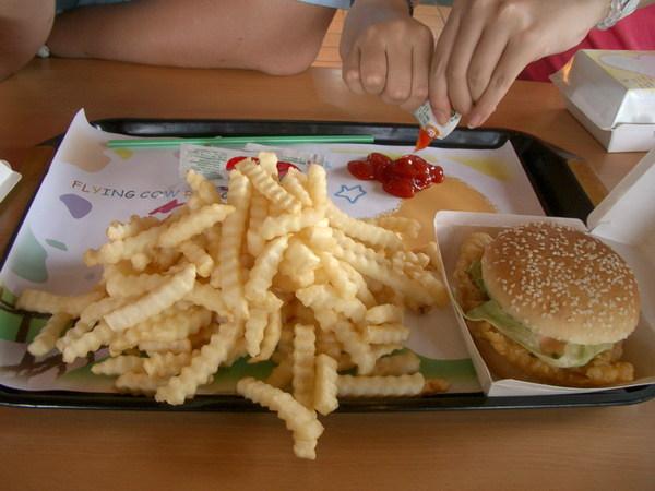 中午的漢堡套餐1