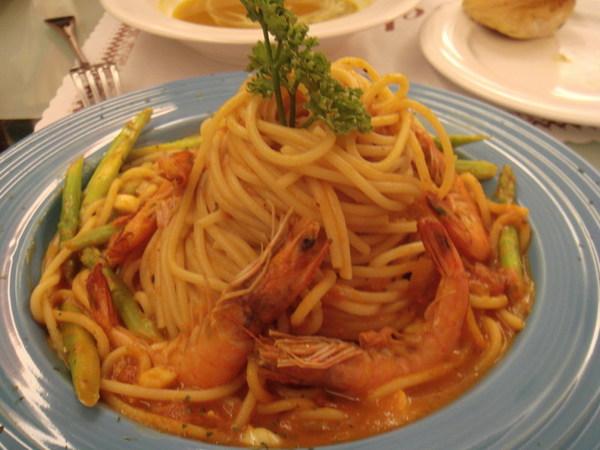 茄汁鮮蝦蘆筍義大利麵