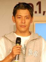田村亮-黑髮.jpg