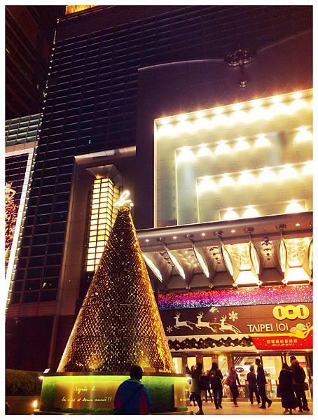 台北101的agnès b. 聖誕樹