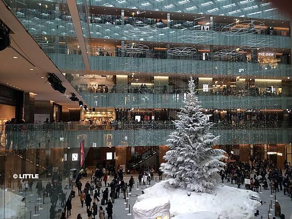 2013.12 東京車站 KITTE 聖誕樹