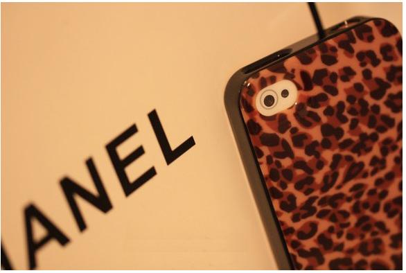「Tory Burch」托里伯奇。蘋果iphone4 4S。豹紋。手機套。手機殼  420 /個