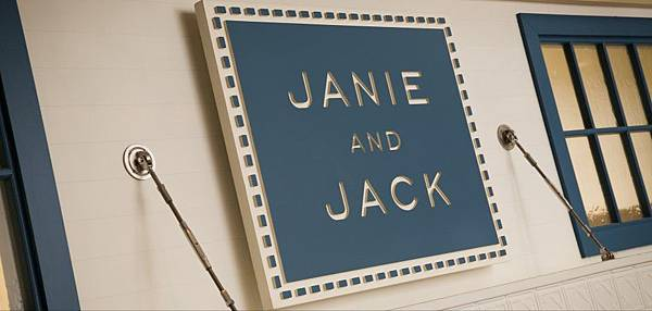 940_448_Janie_And_Jack_Logo_Store_Front_002_1176