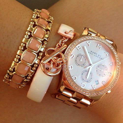 Marc-Jacobs-Watch-And-Bracelets (1)