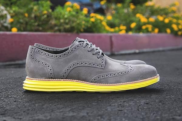 cole-haan-lunargrand-wingtip-feature-sneaker-boutique-13