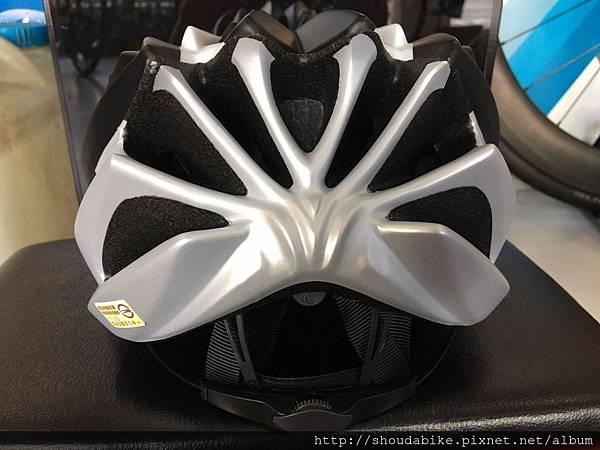 GIANT ARCHER 安全帽-消光黑銀1.jpg
