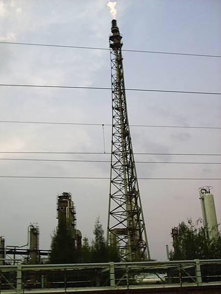 鐵道旁的工業區