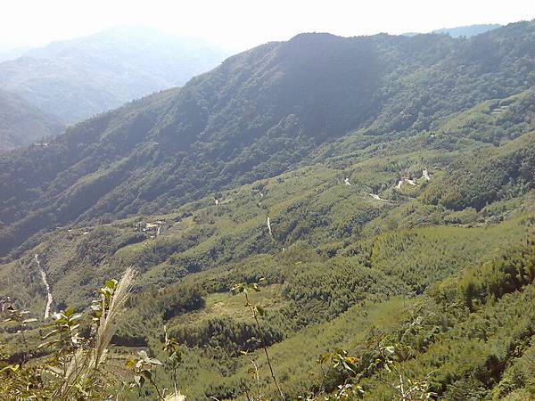 蜿蜒的山路