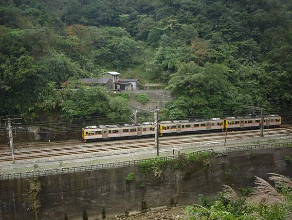 開往平溪線的火車,三節的小自強