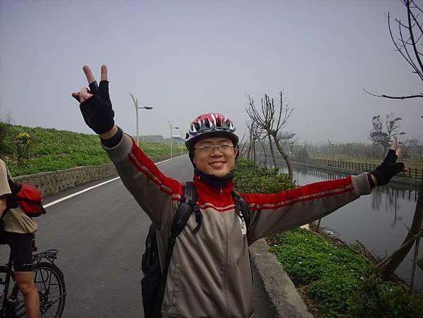 沿著濱海自行車道南下
