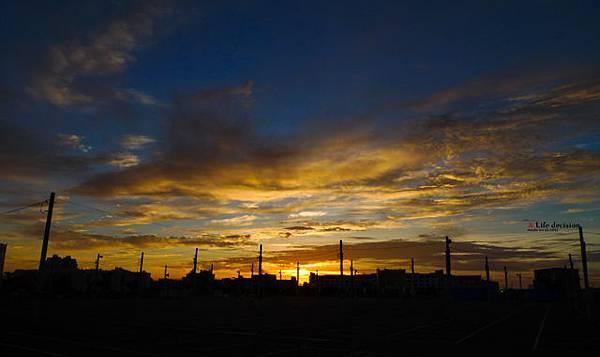 巧遇金色夕陽