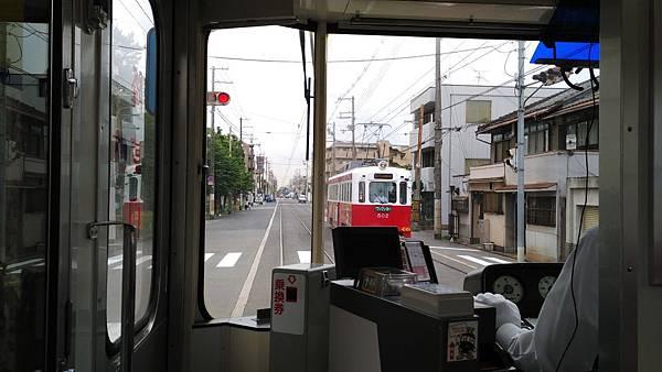 日本藥妝比價網_大阪路面電車_12.jpg