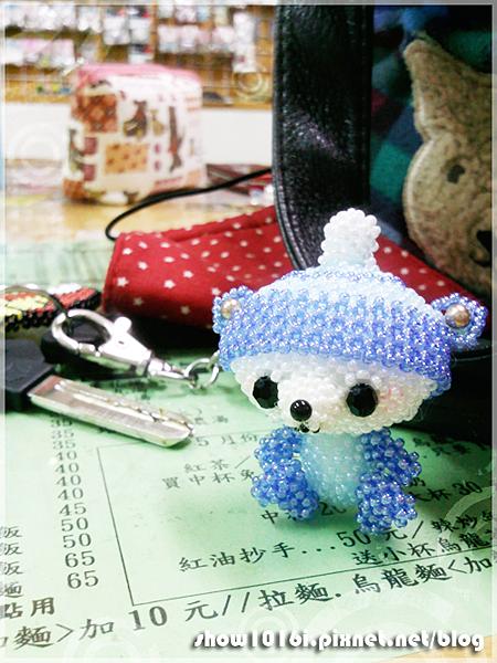 戴帽大頭熊-001