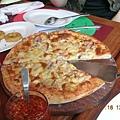 一起點的披薩~~好吃喔