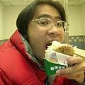 米堡還挺好吃低啦..頗大喔~~~