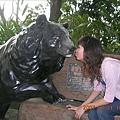 熊熊來親親