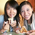 壽星吃蛋糕了..^^