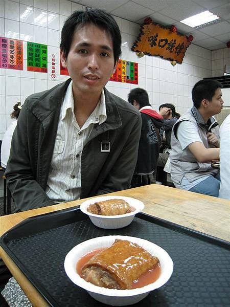 要找素食阿給給李武昌吃~因為他吃素還可以長到187! 厲害吧~哈哈