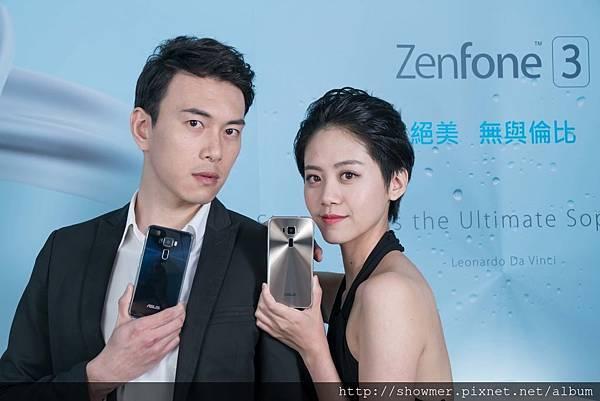 ZenFone 3兼具美型與效能,手機正面和背面機身均包覆在2.5D Corning Gorilla Glass防刮玻璃之中,以其優雅的晶透質感為行動時尚做出最美詮釋