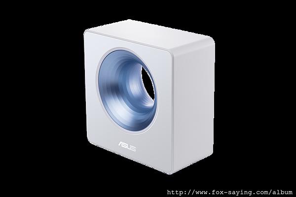 ASUS Blue Cave另支援Amazon Alexa語音功能與IFTTT雲端平台,使用者可隨心所欲控制智慧家庭裝置,打造連網智慧宅。