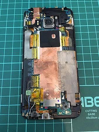 HTC M9掉落馬桶