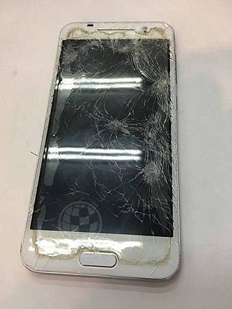 HTC A9面板破裂嚴重