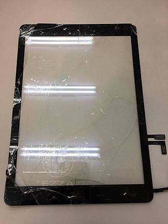 iPad AIR面板破裂