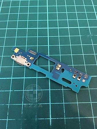 HTC 820充電異常