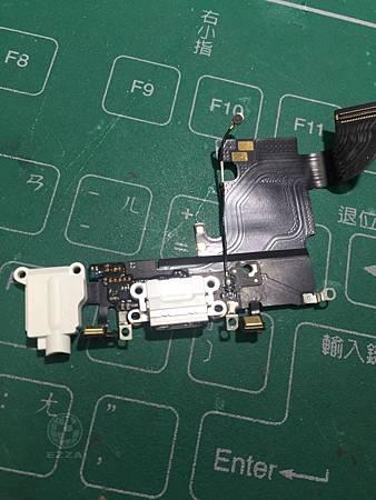 IPhone 6S更換尾插