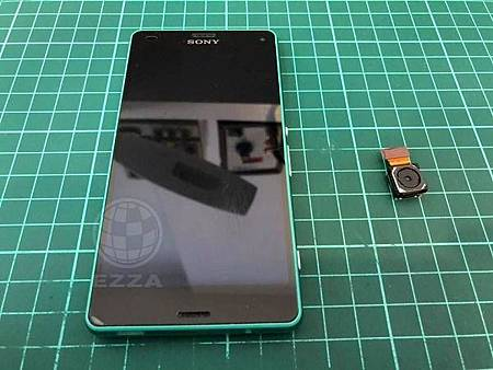 Sony Z3C更換後鏡頭