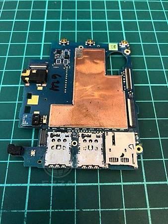 HTC 820泡水不開機