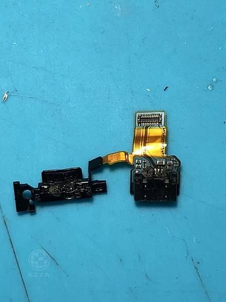 SONY X充電孔燒焦
