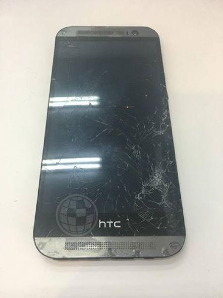 HTC M8掉地上面板就破了