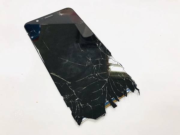 ASUS ZenFone Max Pro面板破裂