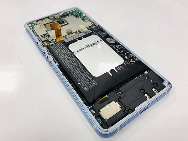 HTC U11 eyes電池膨脹