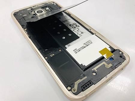 Samsung S7 Edge電池膨脹