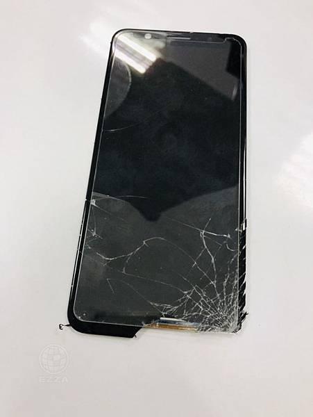 ZenFone Max Pro面板破裂
