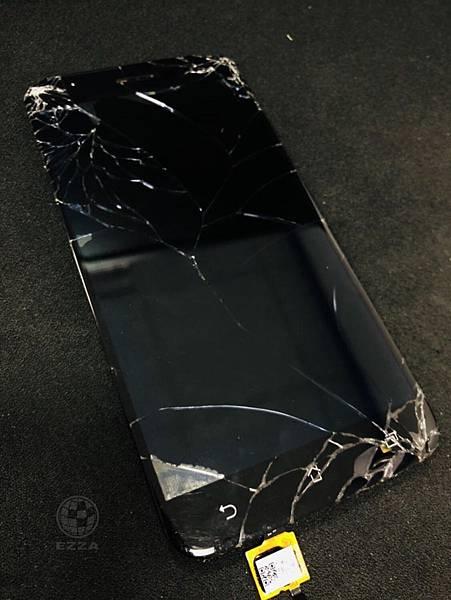 ASUS ZenFone 3面板破裂