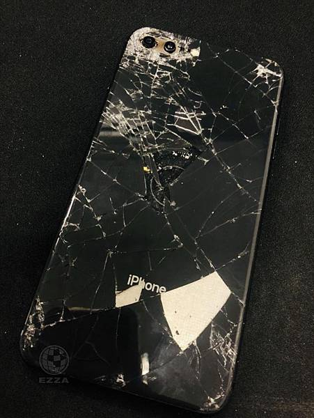 IPHONE8+慘破不堪