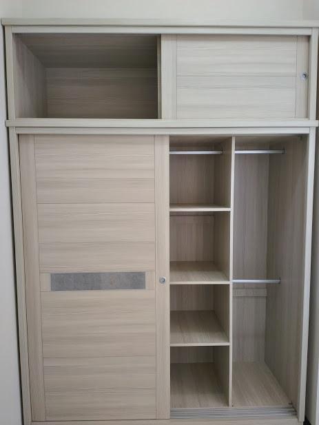 白雪杉衣櫃