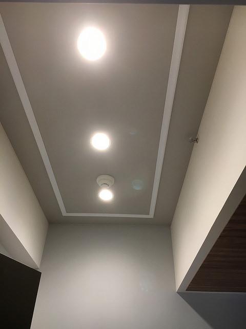 玄關天花板