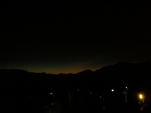日出前景色