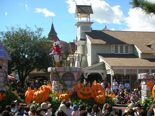 Disney萬聖月尖叫大遊行-唐老鴨的伴侶