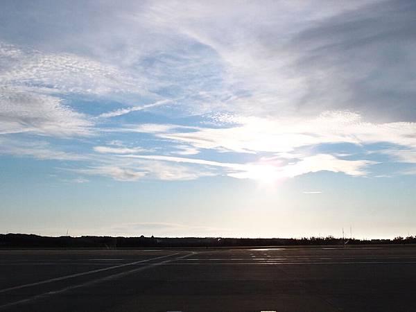 一下機搶先拍澎湖的天空!又大又美(可是馬上就被阻止)
