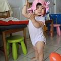 讓我來跳跳新式的新疆舞蹈