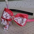 粉紅點點鑽髮箍