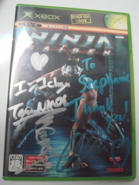 Team Ninja親筆簽名的忍者外傳遊戲光碟