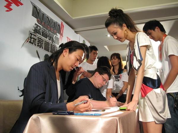 忍者外傳2製作人來台簽名會